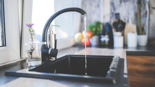 Comment nettoyer un évier de cuisine en granit ?